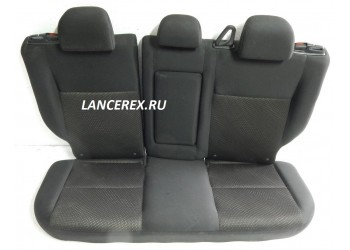 Второй ряд сидений Mitsubishi Asx