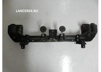 Усилитель переднего бампера Аутлендер  09 -12