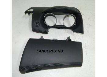 Кожаный козырек и крышка перчаточного ящика Outlander XL