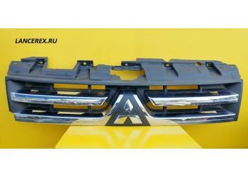 7450A150 решетка радиатора Pajero 4